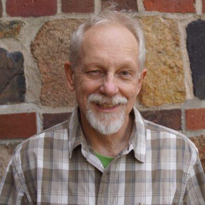 head shot photo of Bill Zoellick