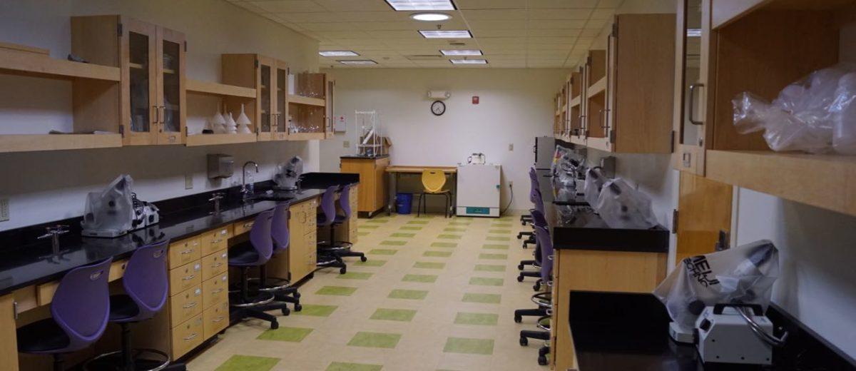 schoodic lab with microsopes